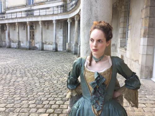 Karin Bernfeld - Actrice, comédienne, tenue d'époque marquise